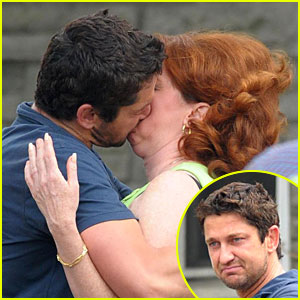 Gerard Butler Puckers Up