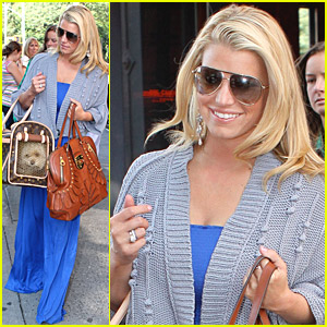 Jessica Simpson's Bright Blue Dress