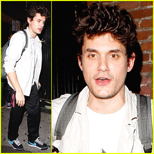 John Mayer Is Hounded At Hotel Cafe