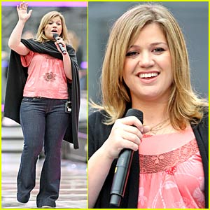 Kelly Clarkson is Much Music Ready