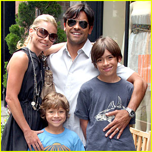 Kelly Ripa & Mark Consuelos: SoHo Sweethearts