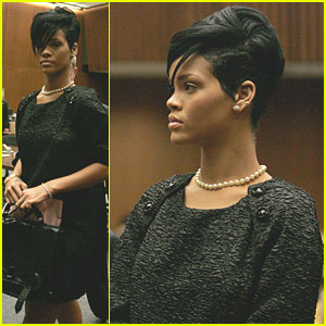 Rihanna & Chris Brown Clock in at Court