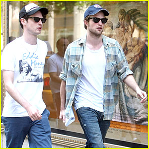 Robert Pattinson   Sturridge on Robert Pattinson   Tom Sturridge Cap It Off