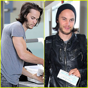 Taylor Kitsch is Beanie Buff