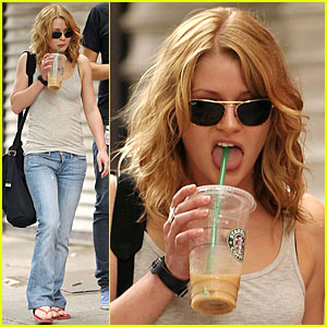 Emilie de Ravin Slurps on Starbucks