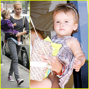 Jessica Alba & Honor Warren Pair Purple