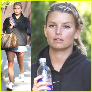 Jessica Simpson Works It Out