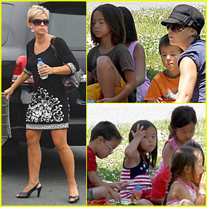 Kate Gosselin: Picnic With The Kids!