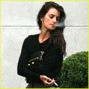 Penelope Cruz Quits Smoking