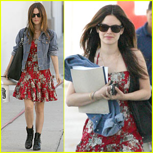 Rachel Bilson: Signature Required!