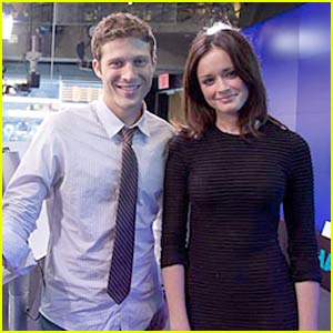 Meet Alexis Bledel & Zach Gilford Tonight!