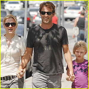Anna Paquin &#038; Stephen Moyer: Main Street Stroll