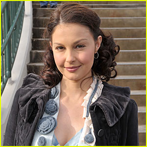 Ashley Judd: Harvard's Newest Student