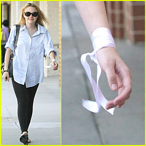 Dakota Fanning Has A Ribbon Wrist