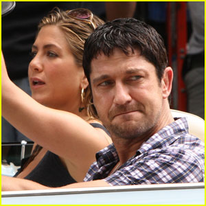 Jennifer Aniston & Gerard Butler: Cruising Couple