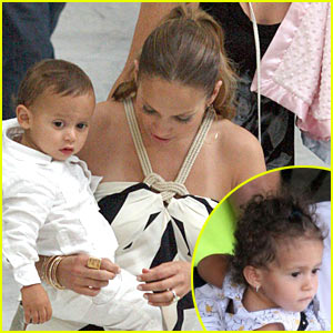 Jennifer Lopez: Twins Take Nice!