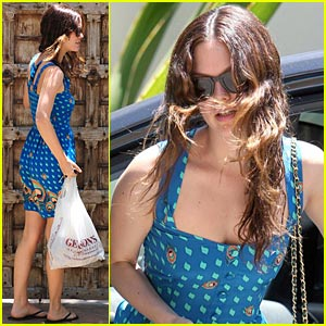Rachel Bilson is a Gelson's Girl