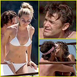 Sienna Miller & George Barker: Kissing Couple