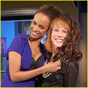 Kathy Griffin Rocks Tyra Banks' Weave
