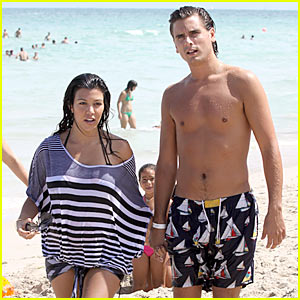 Kourtney Kardashian & Scott Disick: Beach Bake