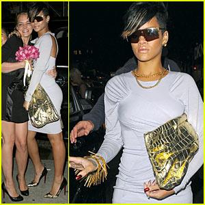 Rihanna: Karaoke Cave Woman