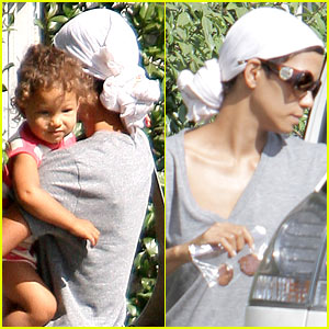 Halle Berry: Head Scarf Spa Day!