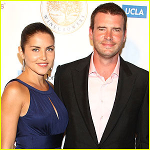 Scott Foley To Be A Dad!