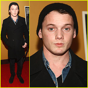 Anton Yelchin is a Messenger Man