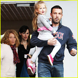 Jennifer Garner & Ben Affleck Head to School Together