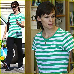Jennifer Garner Gets A New Set of Wheels for Her Girls