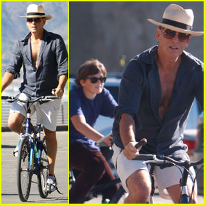 Pierce Brosnan & Sons: Beach Bicyclin'