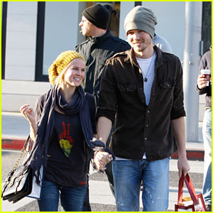 Chad Michael Murray & Kenzie Dalton: Beanie Bunch