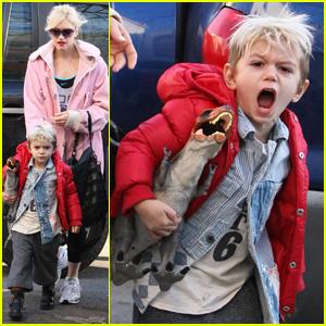 Gwen Stefani & Kingston Rossdale: Dinosaur Roar!
