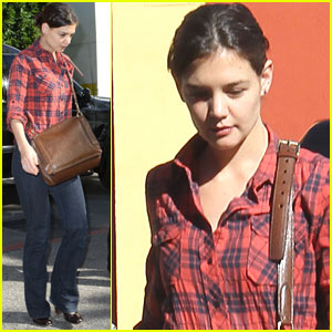 Katie Holmes Hurries to Hermes