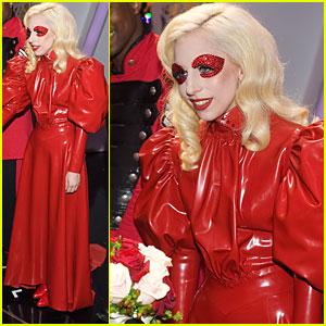 Lady Gaga: Fish & Chips Before Meeting Queen Elizabeth!