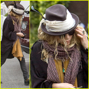 Mary-Kate Olsen: Feathered Fedora!