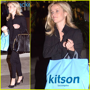 Newly Single Reese Witherspoon Steps Out to Shop