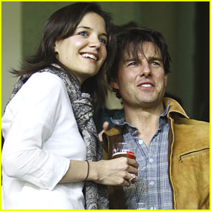 Tom Cruise & Katie Holmes Watch Soccer in Sevilla!