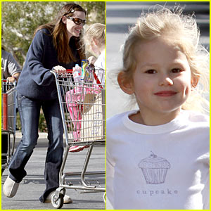 Jennifer Garner: Shopping Cart Silly with Violet Affleck