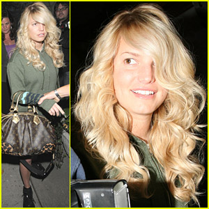 Jessica Simpson Gets More Color And Curls