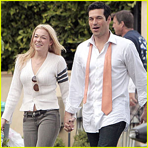 LeAnn Rimes Visits Eddie Cibrian On Set