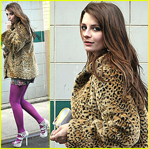 Mischa Barton Gets Down to Business