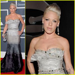 Pink - Grammys 2010 Red Carpet