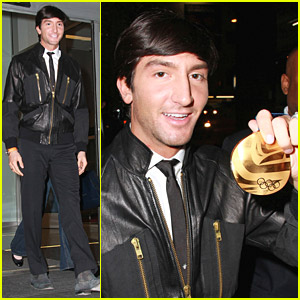 Evan Lysacek Goes For Gold