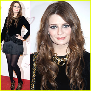 Mischa Barton is Cristian Lay Lovely