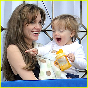 Angelina Jolie: Knox Balcony Bonding Time!