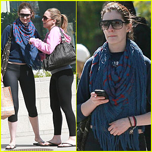 Anne Hathaway: Lunch at La Grande Orange!