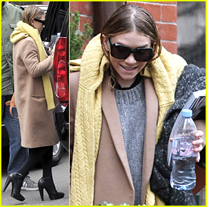 Ashley Olsen: Caution, Wet Hair!