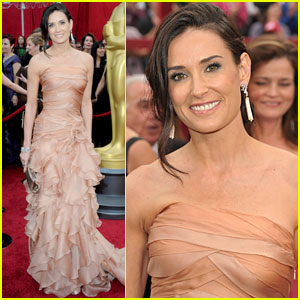 Demi Moore -- Oscars 2010 Red Carpet