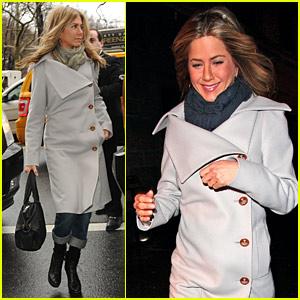 Jennifer Aniston: 'Bounty Hunter' Press Junket!